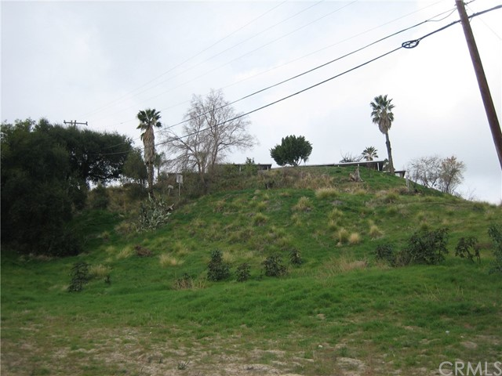 2710913 Edgerton Drive, San Bernardino, CA 92401
