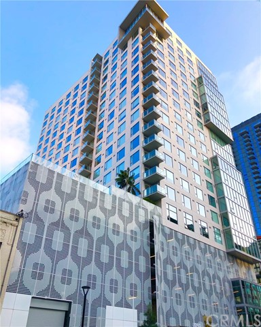 1050 S Grand Avenue 2003, Los Angeles, CA 90015