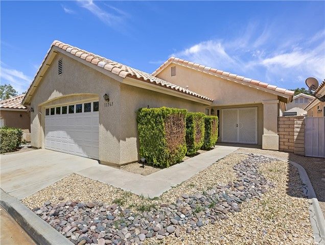 11565 Mountain Meadow Dr, Apple Valley, CA 92308 Photo