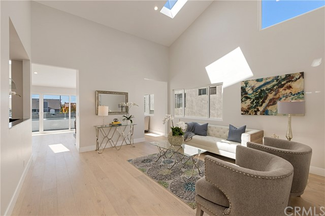Photo of 410 Poinsettia Avenue #2, Corona del Mar, CA 92625