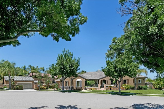 Photo of 3780 Peregrine Circle, Corona, CA 92881