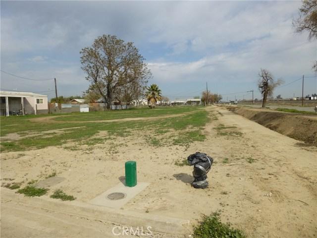 550 E Addie Avenue, Tulare, CA 93274