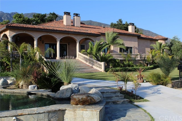 1445 Edgecliff Lane, Pasadena, CA 91107