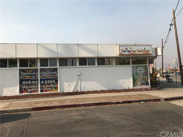 8701 Sunland Boulevard, Sun Valley, CA 91352