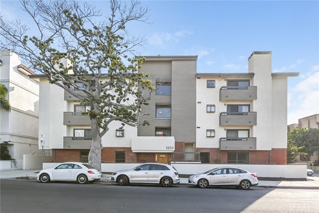 1250 Amherst Ave #206, Los Angeles, CA 90025
