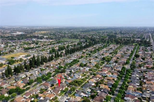 28. 4402 Iroquois Avenue Lakewood, CA 90713