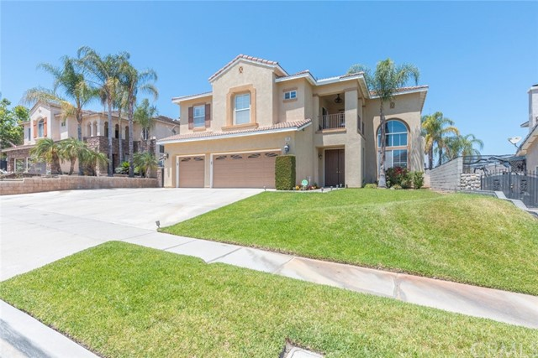 5. 3062 Pinehurst Drive Corona, CA 92881