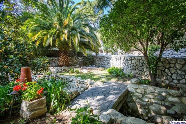 10225 Sunland Boulevard, Shadow Hills, CA 91040