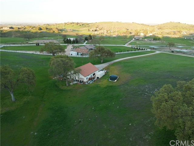 Property for sale at 2071 Hanging Tree Lane, Templeton,  California 93465