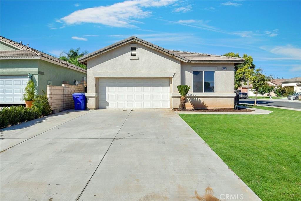 7842     Cameron Way, Riverside CA 92509