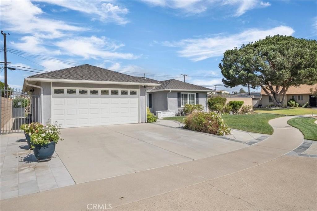 6261     Briarcliff Drive, Huntington Beach CA 92647