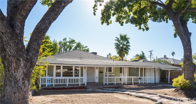 525 Country Club Ln, San Bernardino, CA 92404