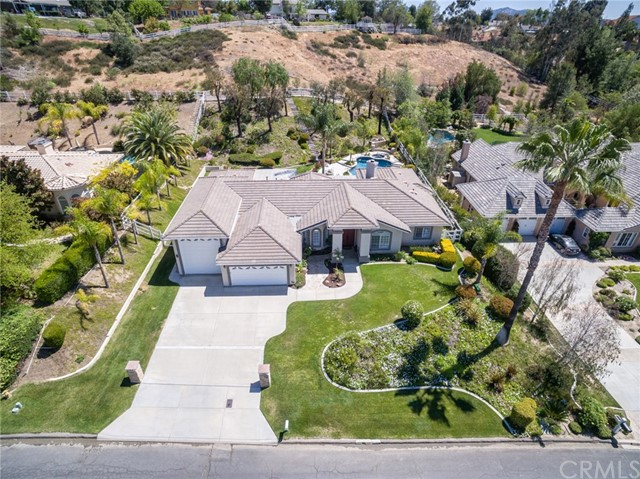 31199 Kahwea Rd, Temecula, CA 92591 Photo 4
