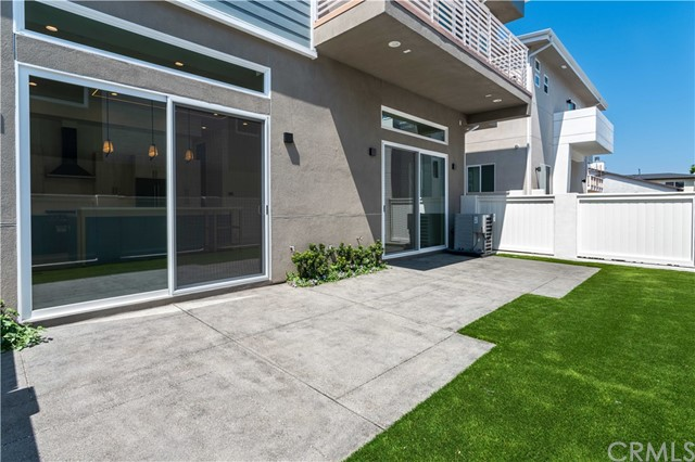 34. 1912 Marshallfield Lane #A Redondo Beach, CA 90278