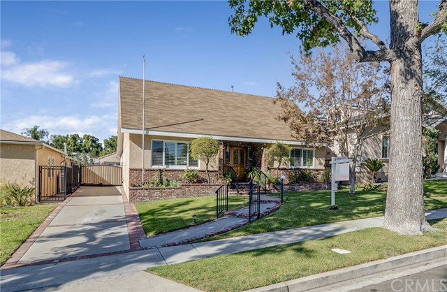 533 Hampton Rd, Burbank, CA 91504