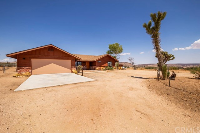 51796 Holiday Lane, Pioneertown, CA 92268