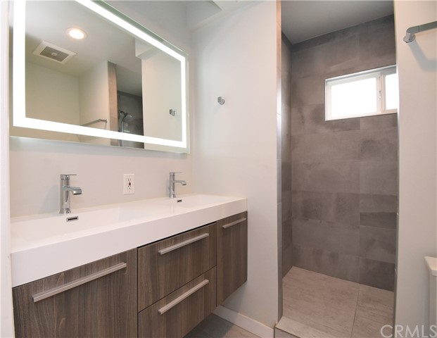 Master Bath with Walking-in Shower