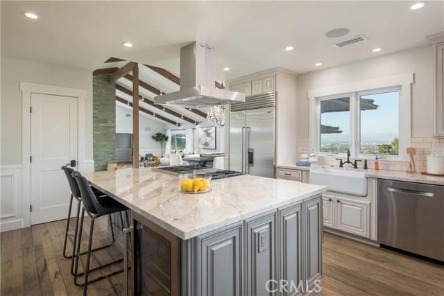 10 Middleridge Lane, Rolling Hills, California 90274, 4 Bedrooms Bedrooms, ,2 BathroomsBathrooms,Single family residence,For Sale,Middleridge,SB19255303