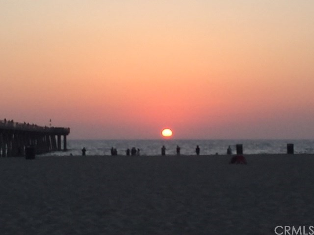 72 The Strand 6, Hermosa Beach, CA 90254