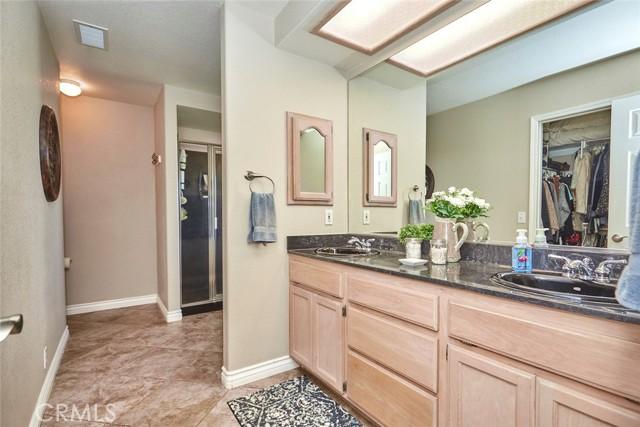 10224 Whitehaven St, Oak Hills, CA 92344 Photo 22