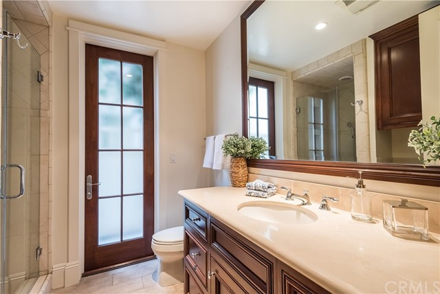 Separate Bath Entrance - Rinse Off From The Beach