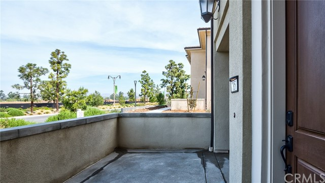 185 Follyhatch, Irvine, CA 92618 Photo 2