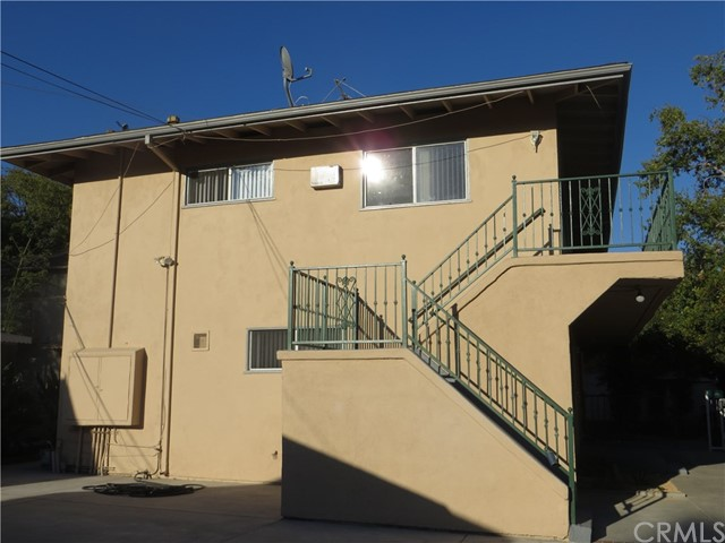 122 N Oak Av, Pasadena, CA 91107 Photo 3