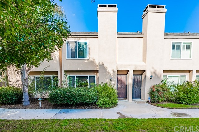 101 W Riverdale Avenue 44, Orange, CA 92865