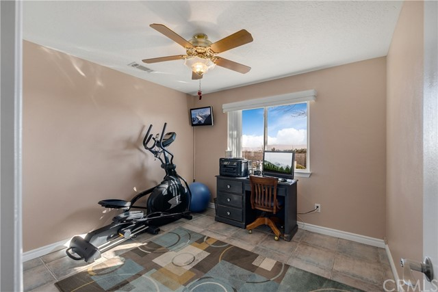 10260 Whitehaven St, Oak Hills, CA 92344 Photo 30