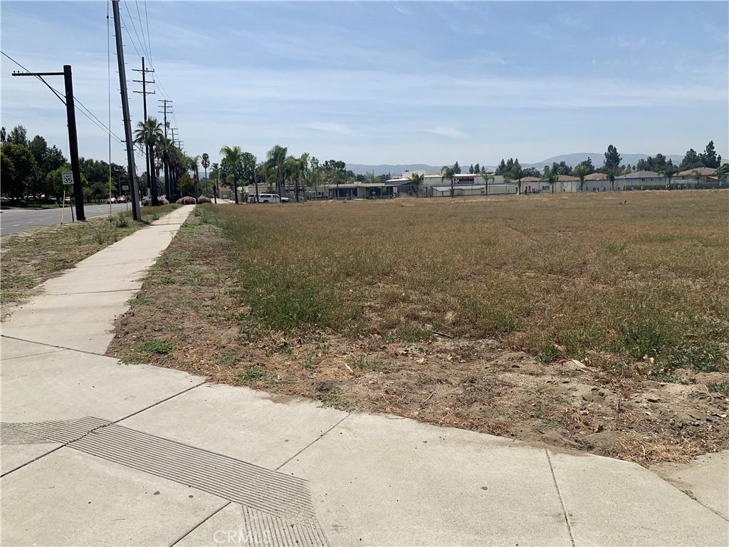 Photo of 700 E Lugonia Ave, Redlands, CA 92374