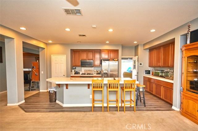 9030 Guadalupe Av, Oak Hills, CA 92344 Photo 6