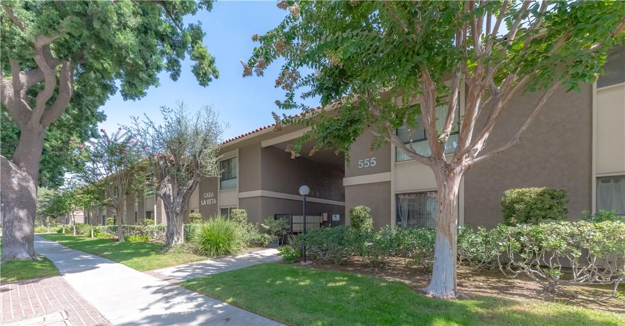 555 S La Veta Park Circle 239, Orange, CA 92868