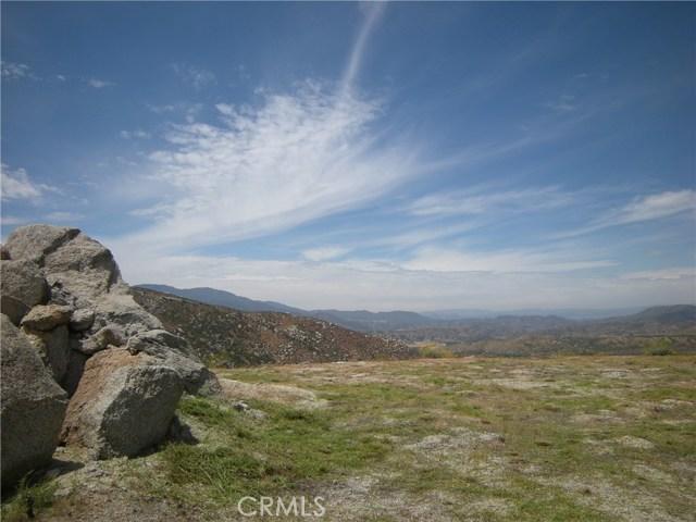1 Golden Hills Drive, Aguanga, CA 92536