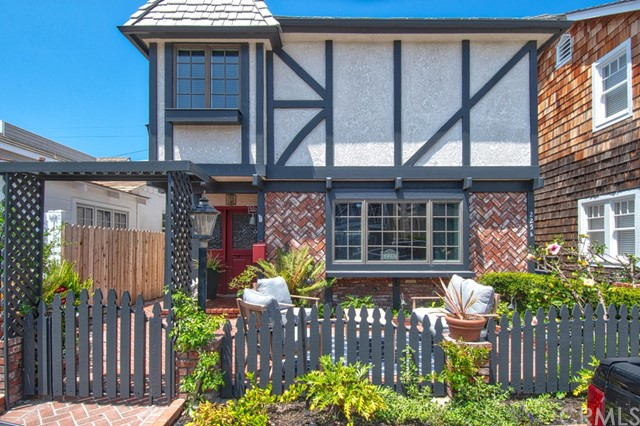 225 Ruby Avenue, Newport Beach, CA 92662