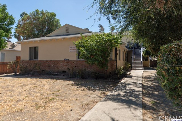 16016 Cantlay Street, Lake Balboa, CA 91406