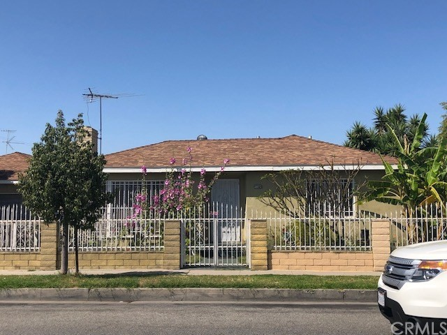 3077 Independence Avenue, South Gate, CA 90280