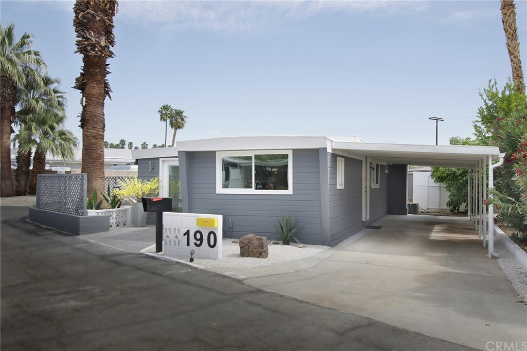 190     Malibu, Palm Springs CA 92264
