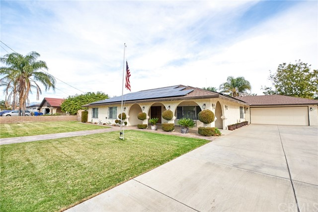 10881 Linden Avenue, Bloomington, CA 92316