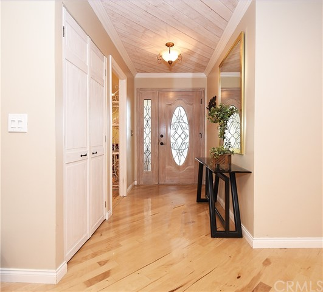 28040 Lomo Drive, Rancho Palos Verdes, California 90275, 3 Bedrooms Bedrooms, ,1 BathroomBathrooms,For Sale,Lomo,PV19278077