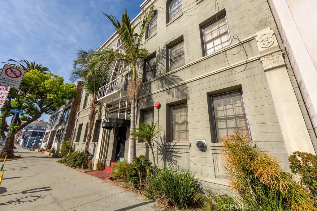 325     Elm Avenue   204, Long Beach CA 90802