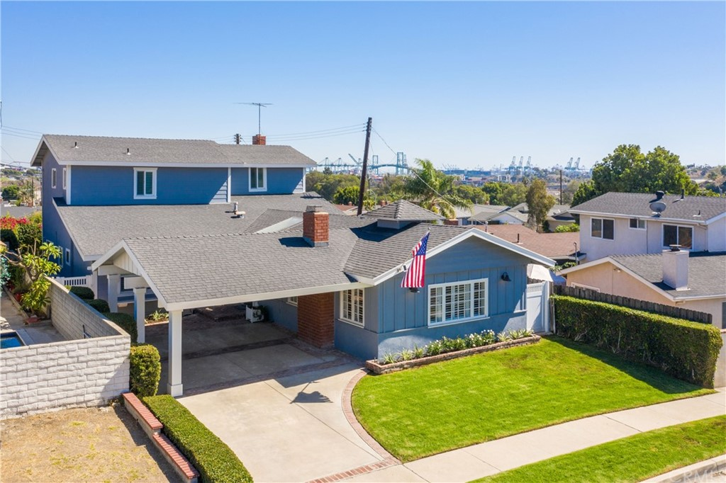 Captivating Cape Cod Style in North San Pedro with 5 Bedrooms and 3.5 baths, 2.791 sq.ft. on a 5,300 sq.ft. lot