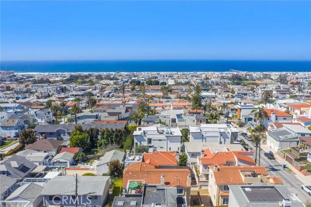 1044 7th Street, Hermosa Beach, California 90254, 4 Bedrooms Bedrooms, ,4 BathroomsBathrooms,For Sale,7th,SB21057089