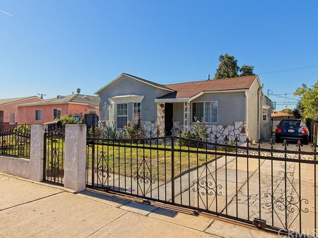 6025 Prospect Avenue, Maywood, CA 90270