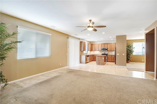 13785 Coolidge Wy, Oak Hills, CA 92344 Photo 8