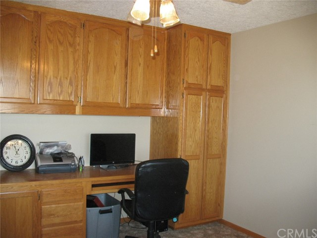 10791 Columbine Rd, Oak Hills, CA 92344 Photo 10