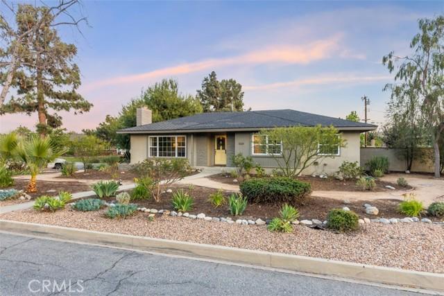 Photo of 1320 E Mountain View Avenue, Glendora, CA 91741