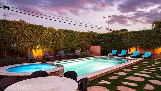 221 Avenue D, Redondo Beach, California 90277, 6 Bedrooms Bedrooms, ,6 BathroomsBathrooms,For Sale,Avenue D,OC21015978