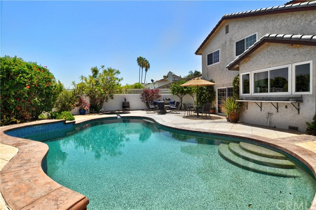 6415 E Shire Way, Long Beach, CA 90815