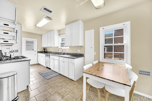 Eat in Kitchen for convenience and added food prep areas
