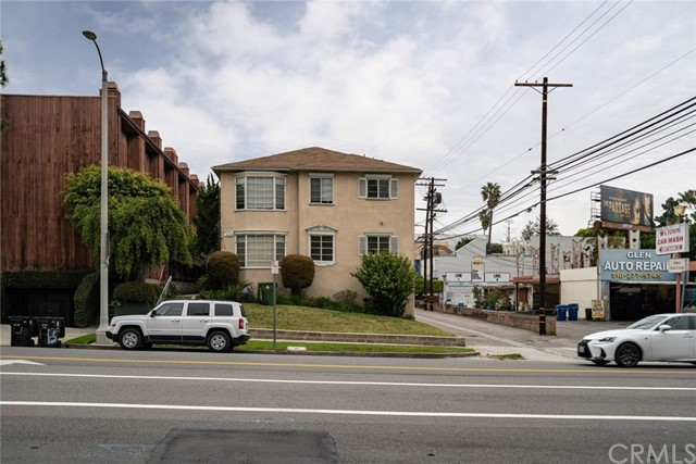 2372 S Beverly Glen Boulevard, Los Angeles, CA 90064